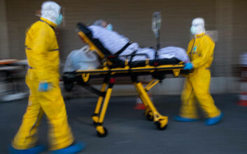 Δεύτερη συνεχόμενη ημέρα με πάνω από 1.100 νεκρούς και 70.000 κρούσματα στις ΗΠΑ