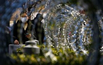 Κορονοϊός στην Κίνα: Η αιχμηρή απάντηση στο «ωραιοποιημένα στοιχεία» του Τραμπ και νέα περιοριστικά μέτρα