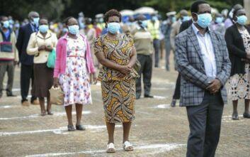 ΠΟΥ για κορονοϊό: Οι μάσκες από μόνες τους δεν είναι «θαυματουργή λύση»