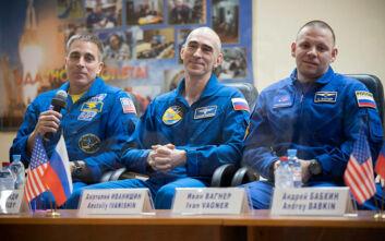 Θα εκτοξευθούν για την επόμενη αποστολή του Διεθνούς Διαστημικού Σταθμού χωρίς το αντίο των δικών τους ανθρώπων