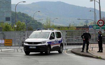 Γαλλία: Συνεχίστηκαν οι συγκρούσεις νεαρών με την αστυνομία σε προάστιο του Παρισιού