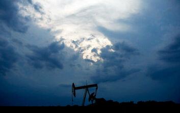 Βουτιά καταγράφει η τιμή του αμερικανικού αργού πετρελαίου