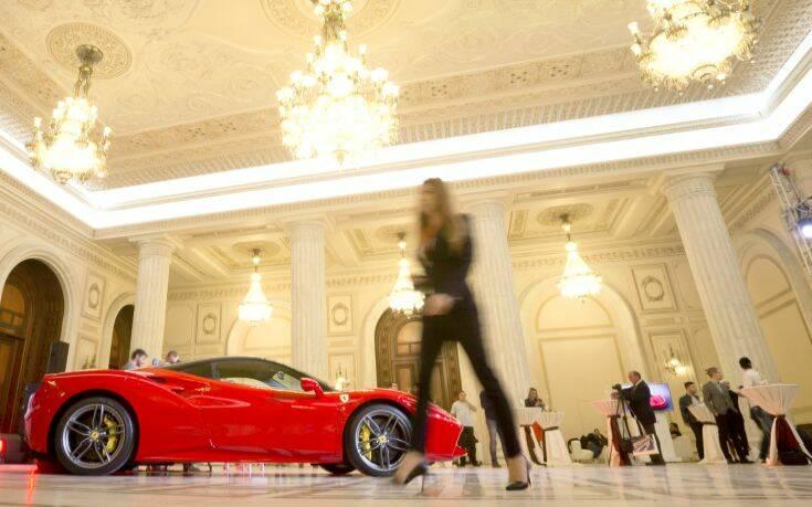 Στα ύψη οι πωλήσεις των Ferrari παρά τον κορονοϊό
