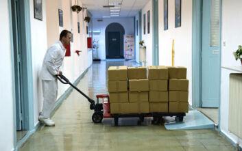 Κορονοιός: Τα στρατιωτικά εργοστάσια ξεκίνησαν να παράγουν αντισηπτικά και μάσκες