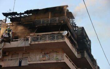 Υπό έλεγχο η φωτιά που ξέσπασε στον 5ο όροφο πολυκατοικίας στην Κυψέλη