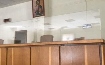 Έτσι ανοίγουν σήμερα τα δικαστήρια: Θερμομέτρηση, μάσκες, αντισηπτικά, security και προστατευτικά πλεξιγκλάς