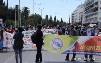 Συγκέντρωση εκπαιδευτικών στο Σύνταγμα ενάντια στο νομοσχέδιο του υπουργείου Παιδείας