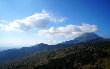 Το μυθικό βουνό της Εύβοιας όπου ενώθηκαν ο Δίας με την Ήρα