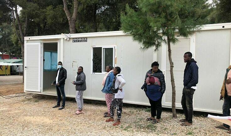 Η Αυστρία στέλνει στην Ελλάδα 181 κοντέινερ διαμονής και υγειονομικού εξοπλισμού για πρόσφυγες και μετανάστες