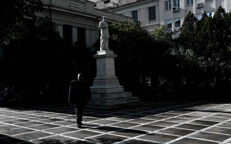 Η επόμενη μέρα στην Ελλάδα μετά το lockdown: Σταδιακή άρση μέτρων από Μάιο -  Μικρά εμπορικά, καφέ και εστιατόρια ανοίγουν πρώτα