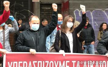 Κινητοποίηση των εργαζομένων σε φάρμακο και τρόφιμα έξω από το υπουργείο Εργασίας