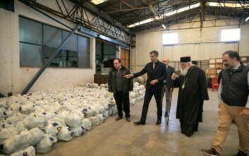 Τρόφιμα σε 20.000 πολίτες από τον δήμο Αθηναίων σε συνεργασία με την Αρχιεπισκοπή