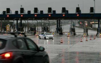 Κορονοϊός: Πρόσθετοι έλεγχοι ενόψει Πάσχα, «φρένο» στους δήμους για το Άγιο Φως και οι πανελλαδικές