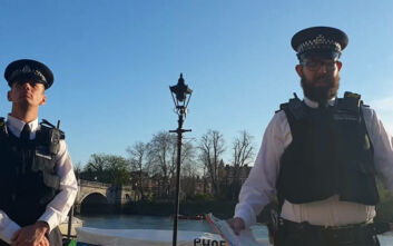 Βρετανία: Συνελήφθη γυναίκα που παραβίασε την καραντίνα, για να ασκήσει το μυαλό της