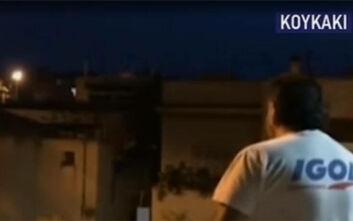 Κουκάκι: Γείτονες τσακώνονται για τις φωτογραφίες με τον παπά που κοινωνεί κρυφά - «Μπράβο ρ@@φιάνε»