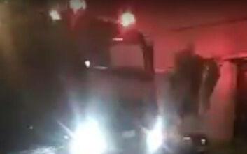 Κακοκαιρία: Δέντρο έπεσε πάνω σε Ι.Χ. στην Πάτρα