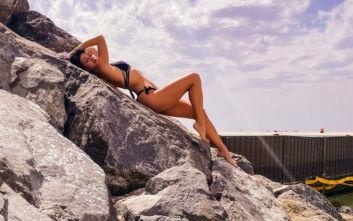 Σέξι Ελληνίδες «ξορκίζουν» τον κορονοϊό με τις αναρτήσεις τους