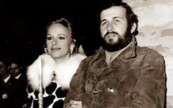 Η φωτογραφία Βουγιουκλάκη - Παπαμιχαήλ από την Ανάσταση του 1971