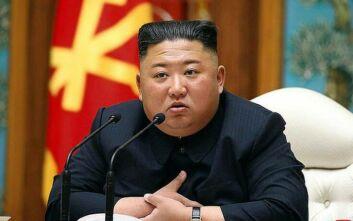 Νότια Κορέα: «Ο Κιμ Γιονγκ Ουν είναι ζωντανός και καλά στην υγεία του»