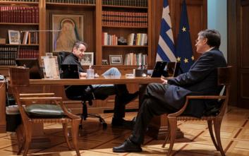 Μητσοτάκης – Τσιόδρας συζητούν για τα επόμενα βήματα στη μάχη κατά του κορονοϊού