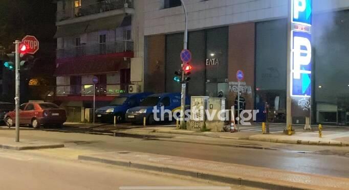 Θεσσαλονίκη: Εμπρηστική επίθεση σε οχήματα των ΕΛΤΑ