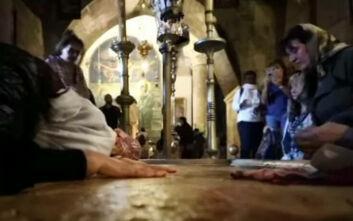 Η 65χρονη που βγήκε θετική στον κορονοϊό μετά το ταξίδι στους Άγιους Τόπους εξομολογείται: Δύο στιγμές πήγα στον τάφο και γύρισα