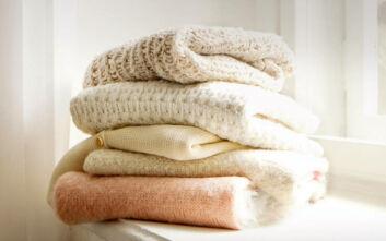 Πώς να αποθηκεύσετε σωστά τα ρούχα εκτός εποχής
