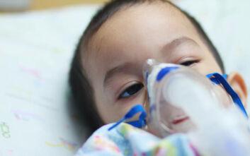 O κορονοϊός προκαλεί μυστηριώδη νόσο που στέλνει στην Εντατική παιδιά και νέους