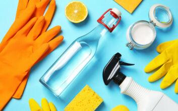 Τέσσερα «μαγικά» φυσικά προϊόντα για να καθαρίσετε το σπίτι σας