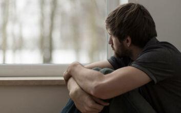 Κορονοϊός: Η διαρκής απόμονωση μοιάζει με τον χρόνιο υποσιτισμό