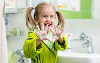 Κορονοϊός: Εκτοξεύτηκαν οι πωλήσεις παιδικού βιβλίου που ενθαρρύνει τα παιδιά να πλένουν τα χέρια τους