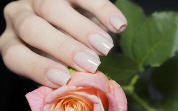 Το απόλυτο χρώμα για να βάψεις τα νύχια σου