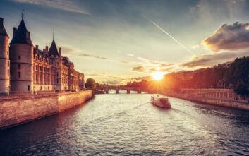 Δεκατέσσερις τρόποι να ταξιδέψετε χωρίς να χρειαστεί να ταξιδέψετε