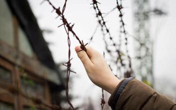 Αίσιο τέλος είχε η «οδύσσεια» 10χρονου πουπαρέμενε 44 ολόκληρες μέρες έγκλειστο σε αστυνομικό τμήμα στην Κοζάνη