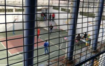 Κορονοϊός: Η επιστολή εκπαιδευτικού στον Τσιόδρα για τους ανήλικους κρατούμενους Αυλώνα