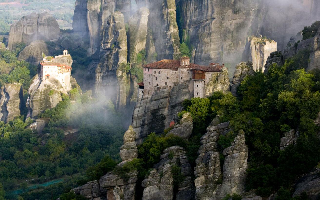 Μετέωρα: Οι νωχελικοί «γίγαντες» της Ελλάδας και η ιστορία τους