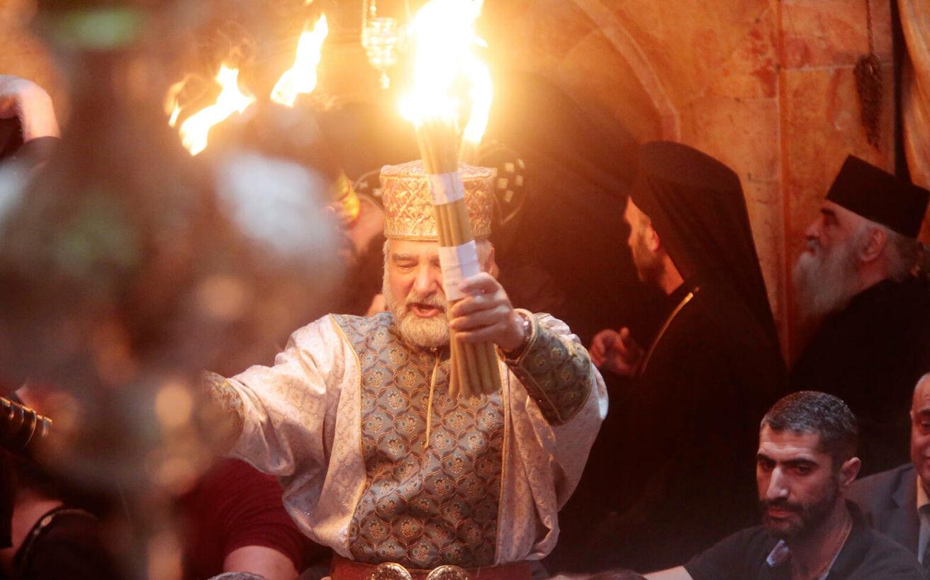 Τι θα γίνει με την αφή του Αγίου Φωτός και την μεταφορά του στην Ελλάδα