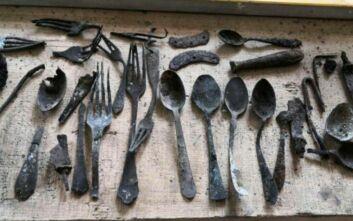 Αντικείμενα που είχαν κρύψει οι εκτοπισμένοι βρέθηκαν σε καμινάδα στο Άουσβιτς