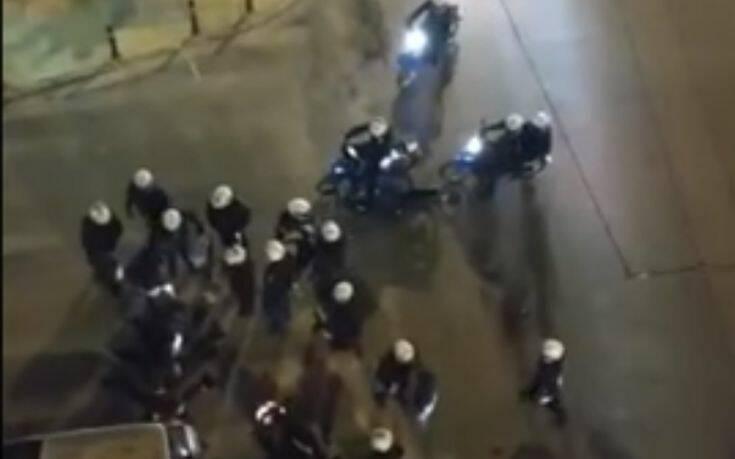 Βίντεο από τα επεισόδια στην Κυψέλη, με τους κατοίκους να τους φωνάζουν «έξω από τη γειτονιά μας»