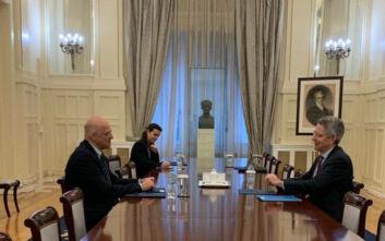 Τετ α τετ Δένδια - Πάιατ με κύρια θέματα την αντιμετώπιση του κορονοϊού και τη συνεργασία Ελλάδας - ΗΠΑ