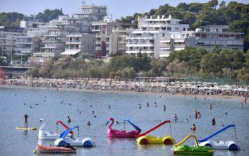 Ανοίγουν το Σάββατο οι 515 οργανωμένες παραλίες: Οι κανόνες για τους λουόμενους