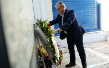 Κατάθεση στεφάνου από Κουτσούμπα για τα θύματα της Marfin με «βέλη» για ΝΔ, ΠΑΣΟΚ και ΣΥΡΙΖΑ