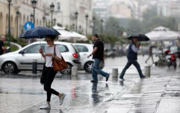 Χαλάει ο καιρός από το μεσημέρι: Βροχές, καταιγίδες και χαλάζι
