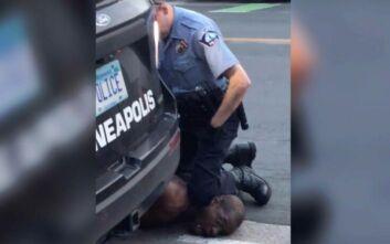 Οργή στη Μινεσότα για τον φρικτό θάνατο ενός Αφροαμερικανού κατά τη σύλληψή του