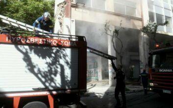 Πυρκαγιά τώρα σε αποθήκη στο Μεταξουργείο