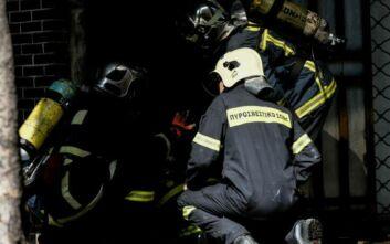 Υπό έλεγχο η πυρκαγιά σε αποθήκη στο Μεταξουργείο