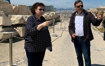 Μενδώνη: Αυτοψία στην Ακρόπολη ενόψει της εφαρμογής των αναγκαίων μέτρων προστασίας