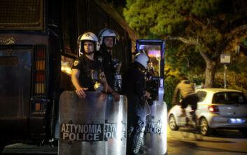 Σε ρόλο πυροσβέστη καλεί η ΕΛ.ΑΣ τους αστυνομικούς για τις συγκεντρώσεις στις πλατείες