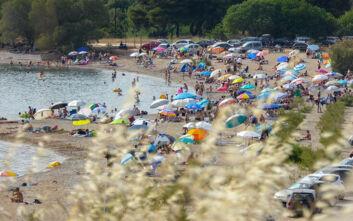 Καιρός: «Καυτό» προβλέπεται το καλοκαίρι στην Ελλάδα - Τι δείχνουν οι χάρτες