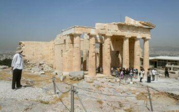 Μενδώνη: Ως τον Αύγουστο ο ανελκυστήρας και ο νέος φωτισμός στην Ακρόπολη